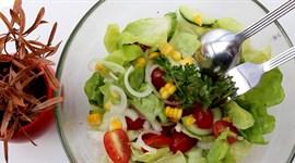 Salad trộn dầu giấm đơn giản, thanh nhẹ