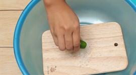 Cách làm sạch thớt để bảo đảm sức khỏe