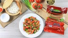 Cách làm xúc xích Việt xông khói xào cải chua