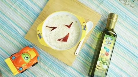 Cách làm Cơm Sữa Trộn Táo cho bé ăn dặm